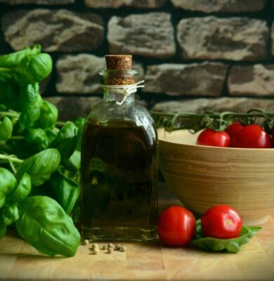 Olive Oil in 'Mediterranean diet plan,' not a lot red wine, is linked to longer life-span, brand-new research study says
